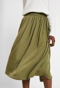 Rosemunde - Áčková sukně - martini olive - 3