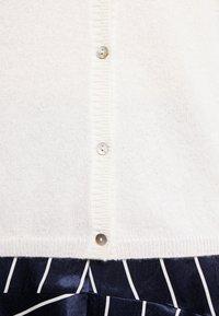 FTC Cashmere - CARDIGAN - Cardigan - pristine white - 5