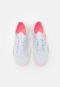 Nike Performance - SUPERREP GO - Zapatillas de entrenamiento - football grey/bright crimson - 3