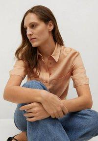 Mango - JENI - Button-down blouse - oranje - 6