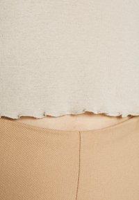 Weekday - SENA LONG SLEEVE - Camiseta de manga larga - beige - 6