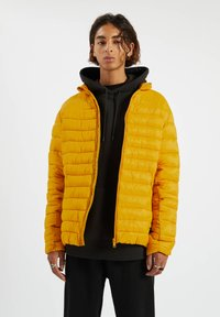 PULL&BEAR - Zimní bunda - yellow - 0