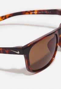 Nike Sportswear - ENDURE UNISEX - Sunglasses - tortoise/light bone/brown - 3