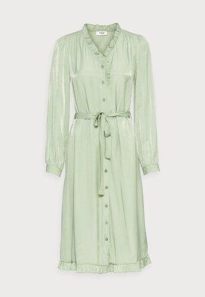 ELYSSE SHIRT DRESS - Paitamekko - reseda