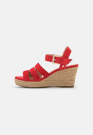 SOLEIL - Sandały na platformie - red