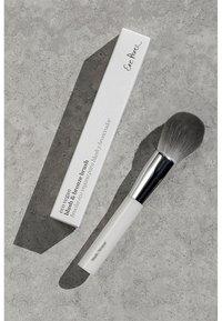 Ere Perez - ECO VEGAN BLUSH & BRONZE BRUSH - Powder brush - - - 3
