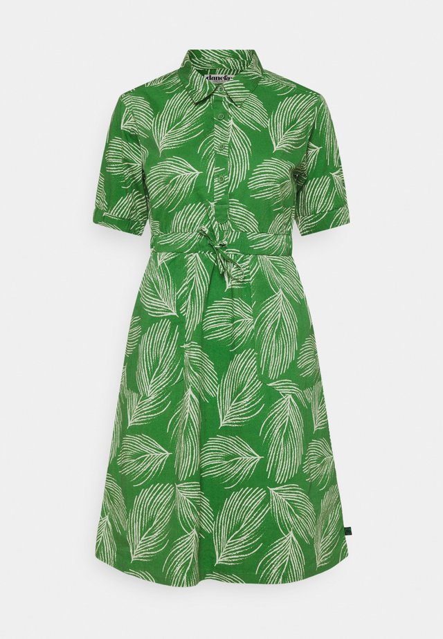 SUSANNE DRESS - Paitamekko - green/chalk