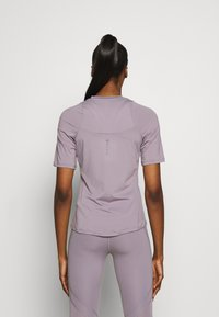 Under Armour - RUSH - T-Shirt print - slate purple - 2