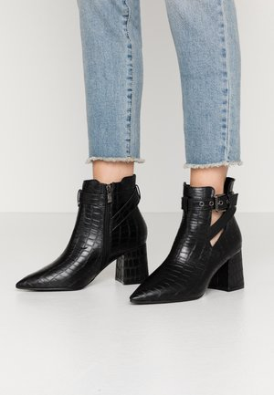 WIDE FIT CHRISTA - Ankle boots - black