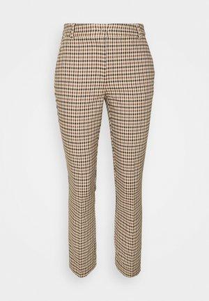 PROSSIMA - Pantalones - camel