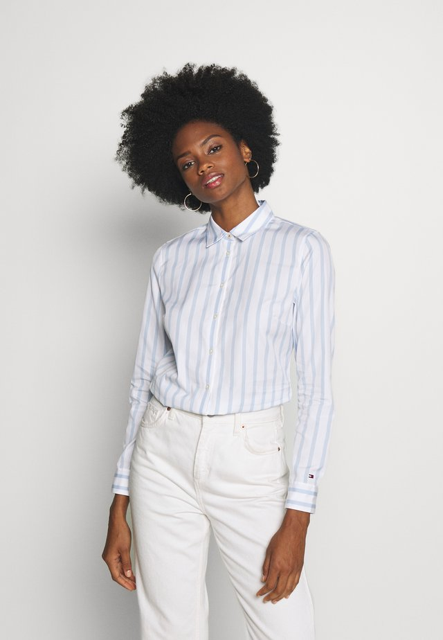 ESSENTIAL - Button-down blouse - white