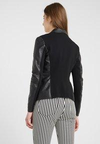 Pinko - STRAVEDERE GIACCA - Leather jacket - black - 2