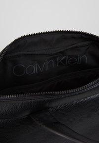 Calvin Klein - STRIPED LOGO - Aktówka - black - 5
