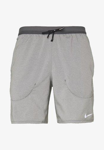 FLEX STRIDE SHORT - Sports shorts - iron grey/heather/reflective silver