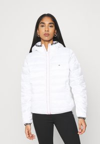 Tommy Jeans - TJW QUILTED TAPE HOODED JACKET - Jas - white - 0