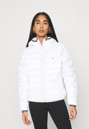 QUILTED HOODED JACKET - Jas - white