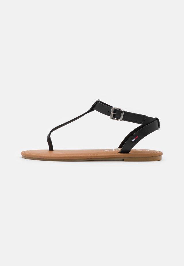ESSENTIAL TOE POST FLAT  - T-bar sandals - black