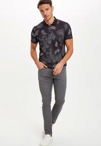 DeFacto - MAN - Trousers - grey - 1