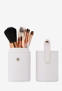 ZOË AYLA - 12 PIECE BRUSH SET TRAVEL CASE - Make-upkwastje - white/rose gold - 2