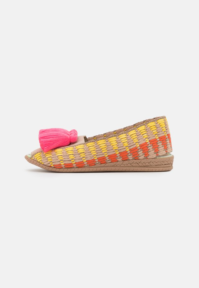 CAYENA - Loafers - rosa fluor