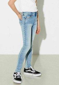 Kids ONLY - KONBLUSH - Jeans Skinny Fit - light blue denim - 2