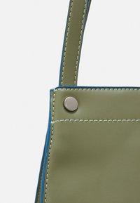 HVISK - BOAT SOFT - Shopper - moss green - 4