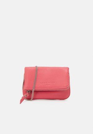 ALOE - Across body bag - flamingo