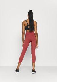 Nike Performance - ONE CROP - Tights - canyon rust/pink glaze/black - 2