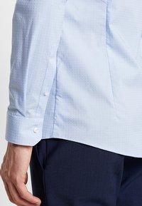 OLYMP - OLYMP NO.6 SUPER SLIM FIT - Koszula biznesowa - bleu - 5