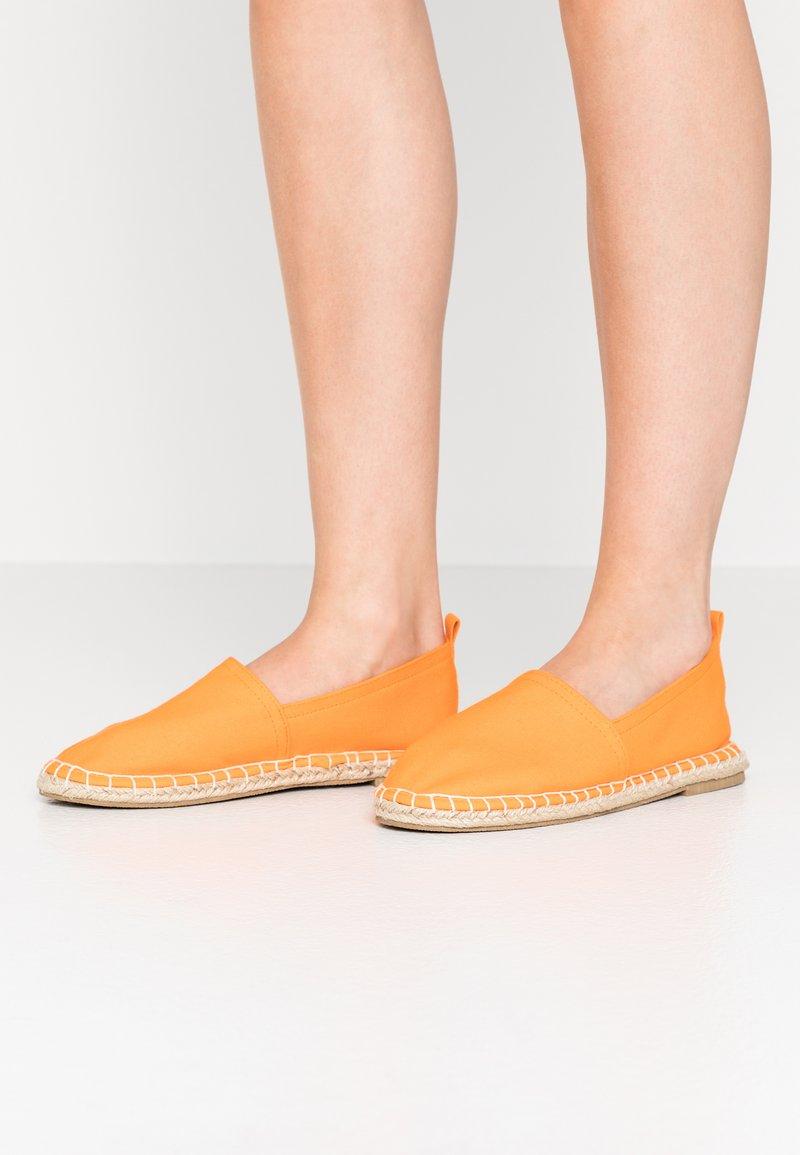 Even&Odd - 2 PACK  - Alpargatas - beige/orange