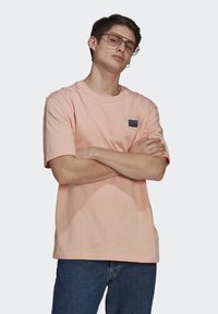 adidas Originals - ABSTRACT TEE UNISEX - Print T-shirt - dust pink - 0