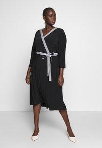 Lauren Ralph Lauren Woman - BENNETT DAY DRESS - Shift dress - black - 0