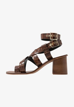 Sandals - choc
