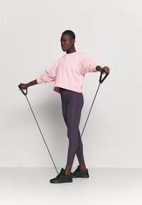Nike Performance - DRY GET FIT CREW - Sweatshirt - pink glaze/light smoke grey - 1