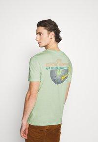 YOURTURN - UNISEX - Print T-shirt - green - 2