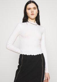 Monki - BLAZE 2 PACK - Long sleeved top - black / white - 4