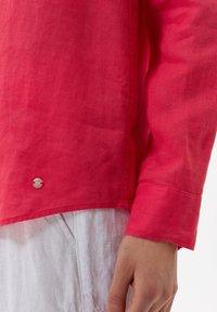 BRAX - VICTORIA - Button-down blouse - papaya - 4