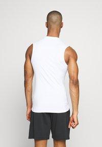 Nike Performance - M NP TOP SL TIGHT - Sports shirt - white - 2