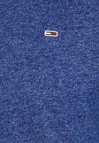Tommy Jeans - SLIM JASPE V NECK - Jednoduché triko - blue - 7