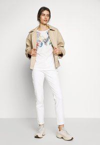 comma - Jeans Skinny Fit - white - 1