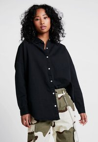 Missguided - OVERSIZED DENIM SHIRT - Overhemdblouse - black - 0