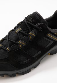 Jack Wolfskin - VOJO 3 TEXAPORE LOW - Hiking shoes - black/burly yellow - 5