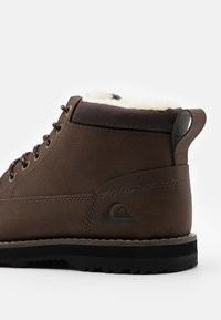 Quiksilver - MISSION BOOT - Winter boots - brown - 5