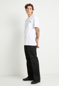 Dickies - PORTERDALE POCKET - Basic T-shirt - white - 2