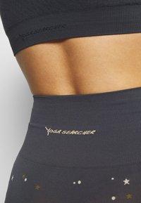 Yogasearcher - COMET - Legging - lavastone - 5