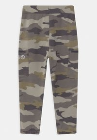 Abercrombie & Fitch - LOGO - Tracksuit bottoms - green - 1