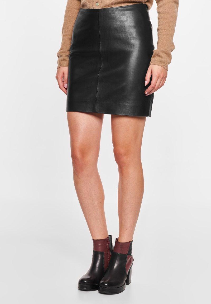 BTFCPH - Pencil skirt - black