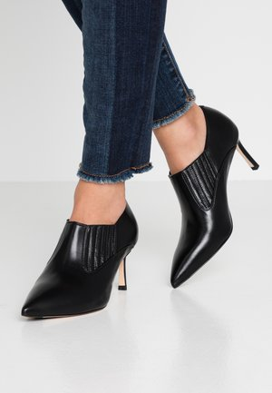 LOPE - Ankle Boot - black