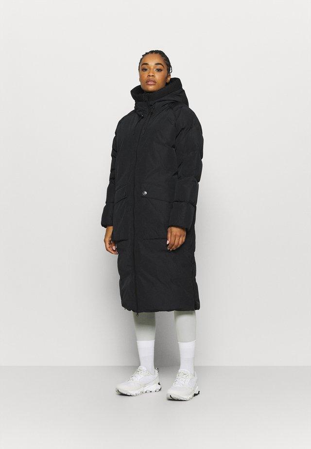 STELLA COAT - Kabát zprachového peří - black