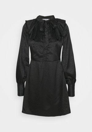 AVON - Robe chemise - black